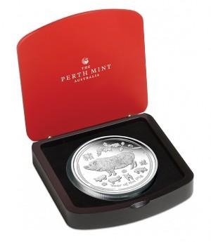 Stříbrná mince Rok Vepře 1 kg proof 2019 Lunární série II